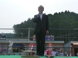開催の挨拶をする 松田高志代表理事